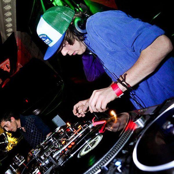 Vibez Promo MIX – DJ Penfold (DNB)